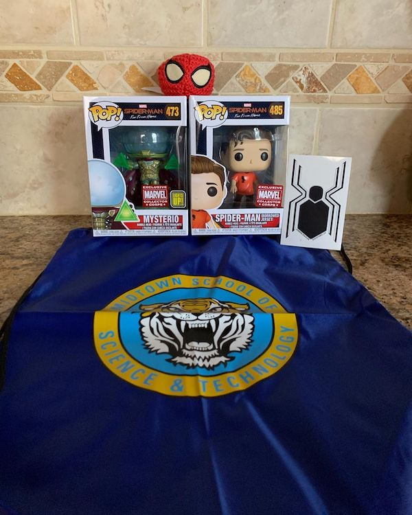 Box Collector Corps Funko Marvel Spider Man Far From Home