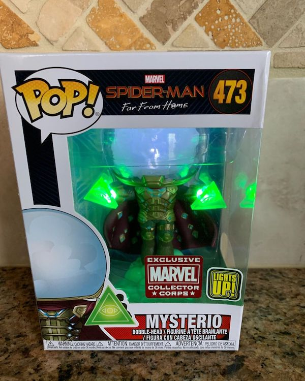 Box Collector Corps Funko Marvel Mysterio Lights Up