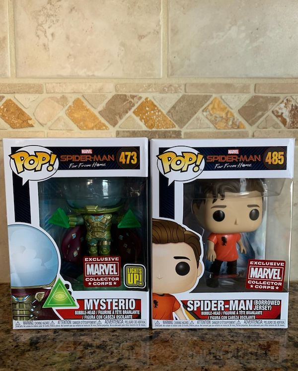 Box Collector Corps Funko Marvel POPs Peter Parker and  Mysterio